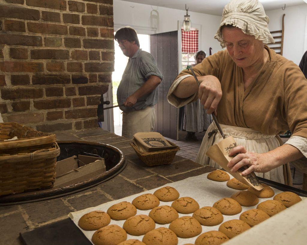 Raleigh Tavern Bakery Colonial Williamsburg Resorts