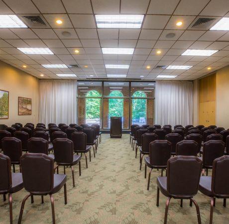 Woodlands Magnolia Meeting Room2